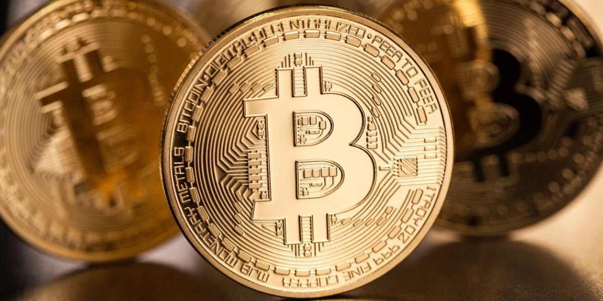 Photo: Wildly Volatile Bitcoin Market Goes Worldwide As Highest Levels of Government Weigh In