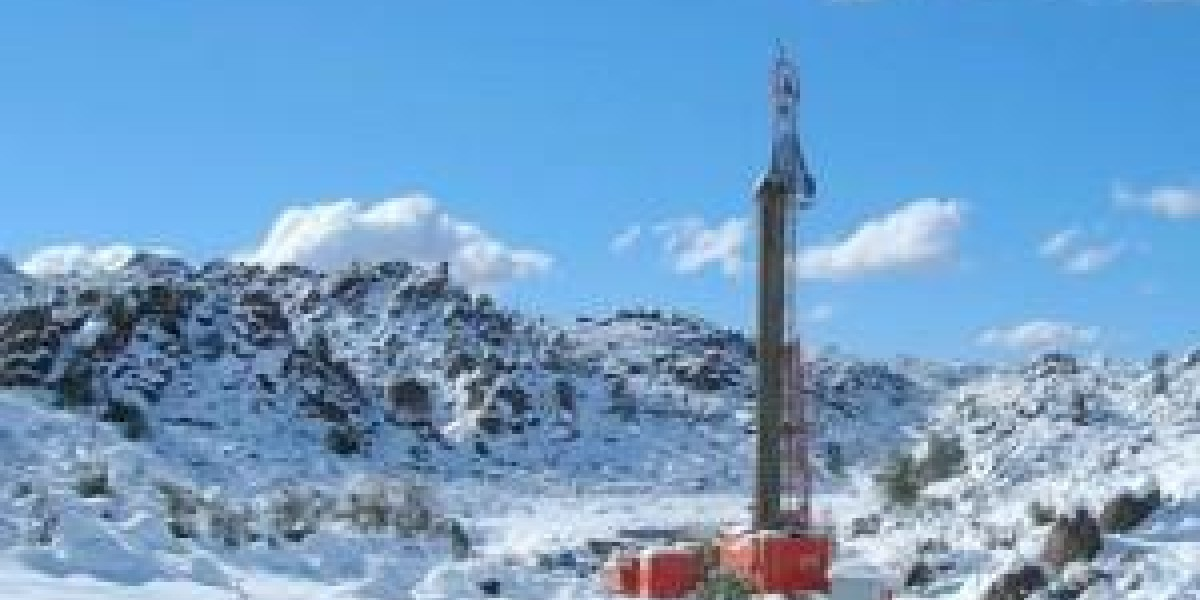 Photo: Small miners set to dust off drill rigs in 2014 - Reuters survey