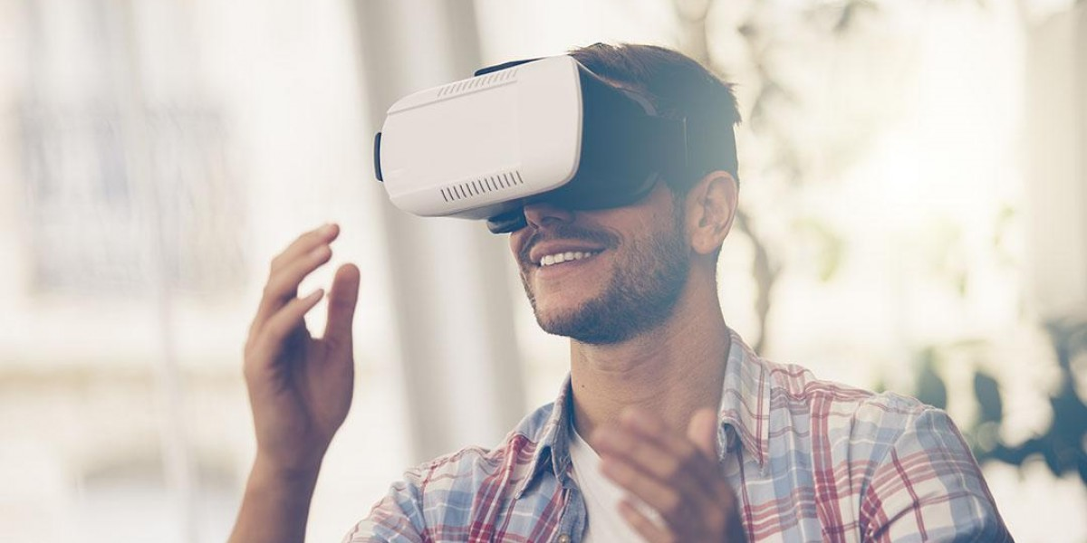 Photo: How VR Went From A Concept To A Billion Dollar Market
